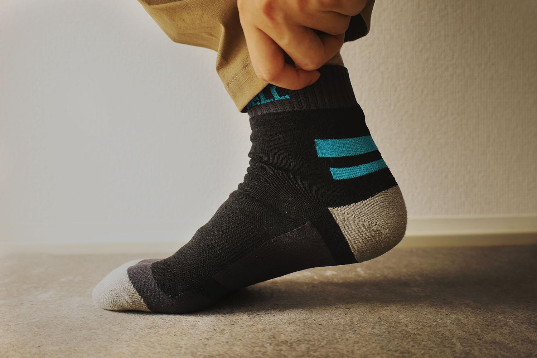 靴が濡れても靴下の中は濡れない。完全防水ソックス「DexShell」
